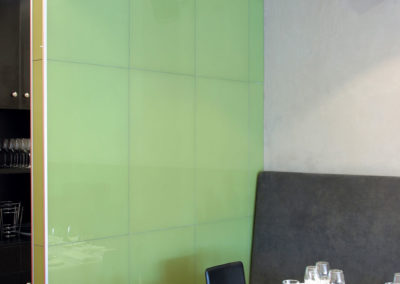 Restaurant-Glass-splashback